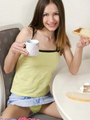 Teen Girl Irene Eating Breakfest And Showing Her Tits - Picture 4